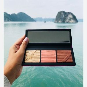 New MAC Shiny Pretty Things Face Compact